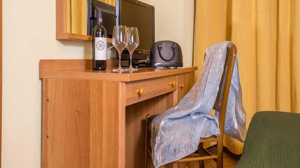 Hotel-Trastevere-Roma-Room-C3-Triple-Standard-Room-038
