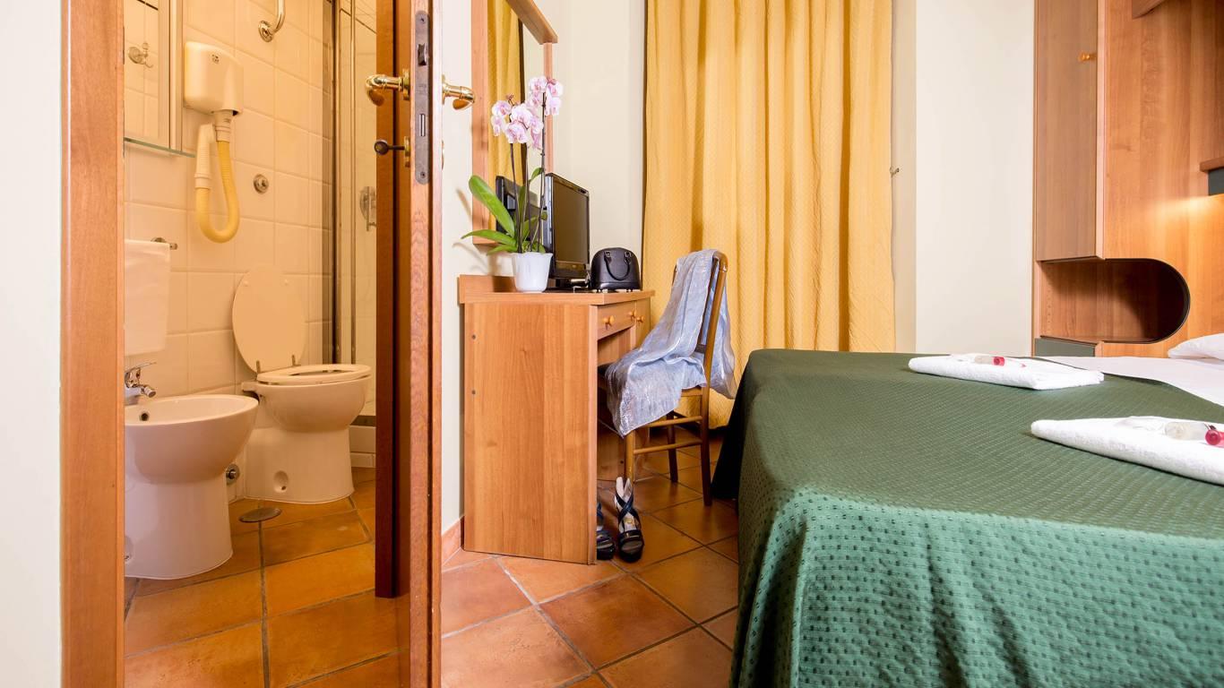 Hotel-Trastevere-Roma-Room-C3-Triple-Standard-Room-037