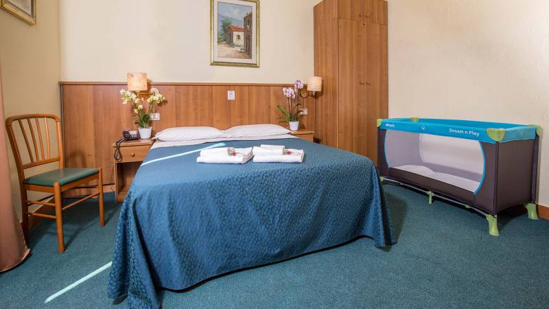 Hotel-Trastevere-Roma-Room-13-Quadruple-Superior-Room-090