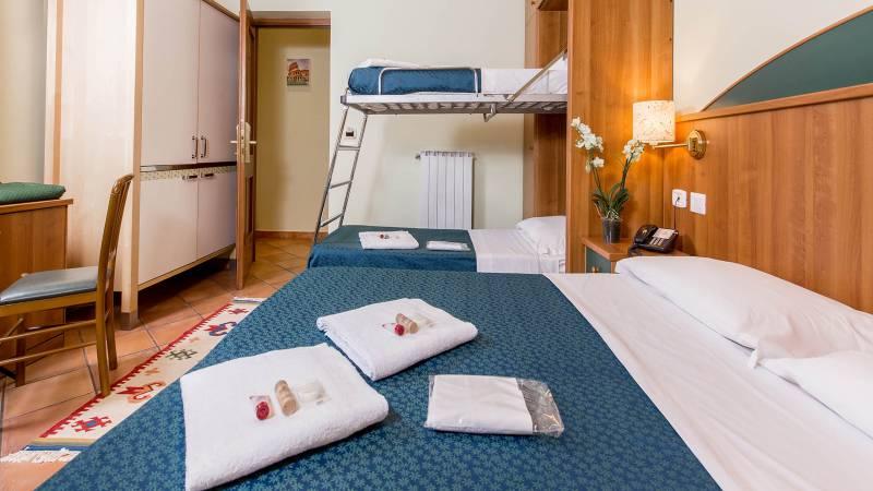 Hotel-Trastevere-Roma-Room-C1-quadruple-standard-room-006