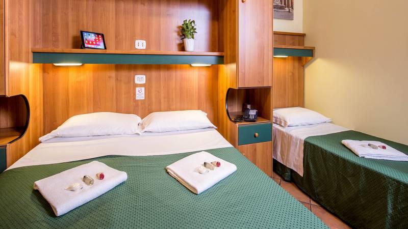 Hotel-Trastevere-Roma-Room-C3-Triple-Standard-Room-036