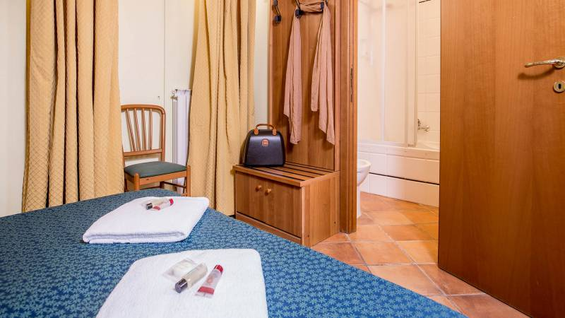Hotel-Trastevere-Roma-Room-C4-Quadruple-Standard-Room-061