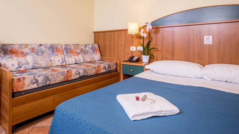 Hotel-Trastevere-Roma-Room-C4-Quadruple-Standard-Room-069